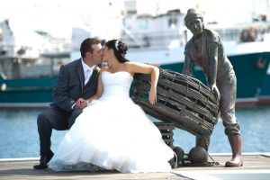 Kat-and-rob couple wedding in fremantle perth