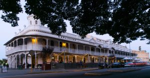 Esplanade Hotel Fremantle by Rydges - Ball & Chain Perth Exterior