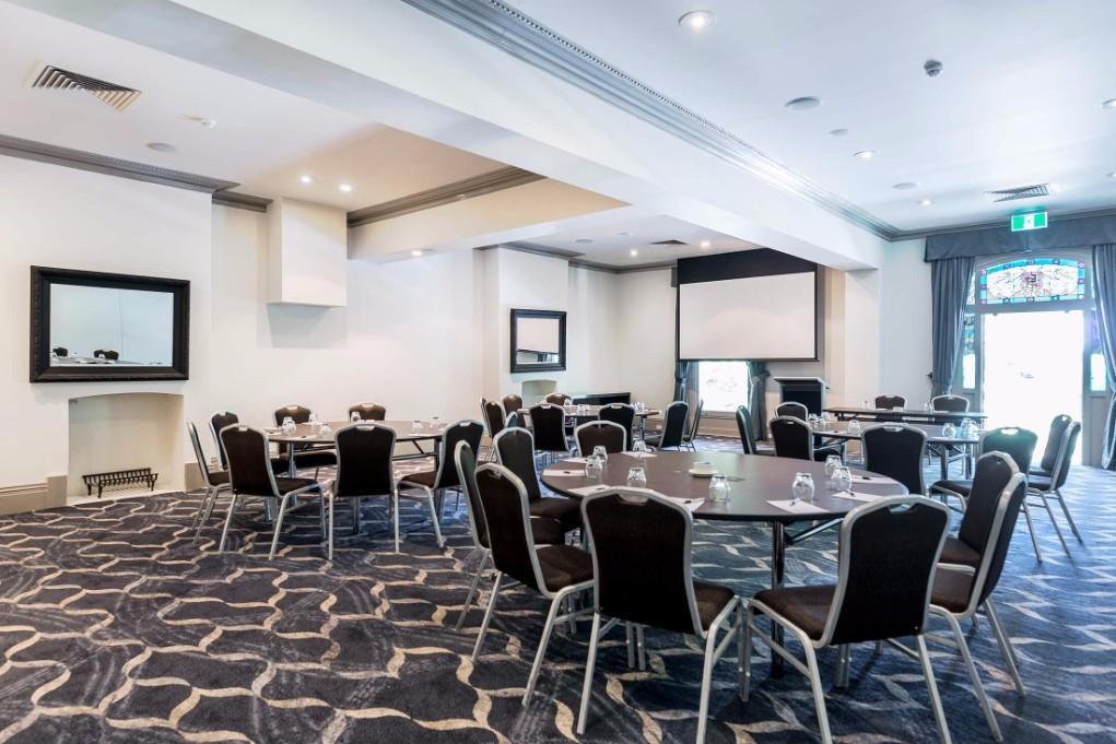 Esplanade Hotel Fremantle by Rydges Perth - Conference & Events Venue - Carnac Function Room Cabaret style setup