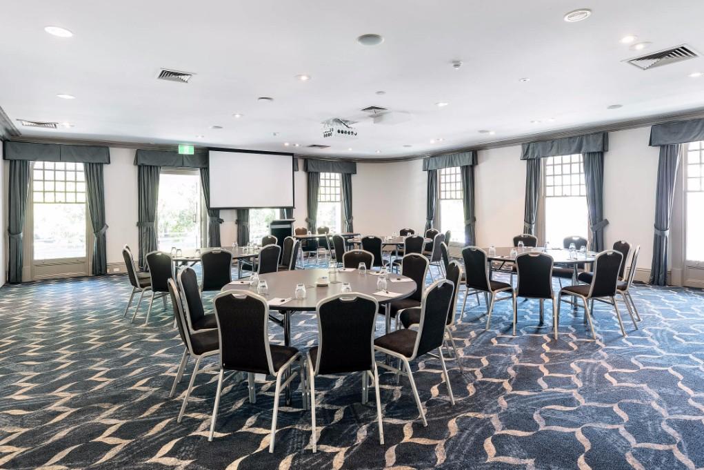 Esplanade Hotel Fremantle by Rydges Perth - Conference & Events venue - Rottnest Room Cabaret Style Setup