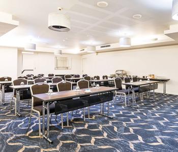 esplanade-hotel-abrolhos-function-room-classroom